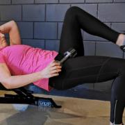 bilspieren trainen 1-leg hip thrust